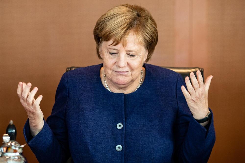 ANGELA MERKEL SE POVLAČI SA ČELA CDU! ODMAH JE PAO EVRO I POČELA TRKA ZA NOVOG KANCELARA!