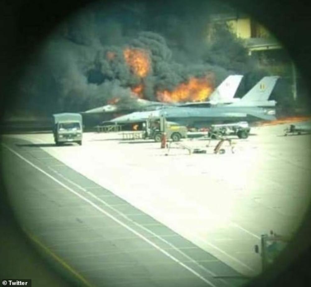 Dramatične scene... Zapaljeni avion na pisti
