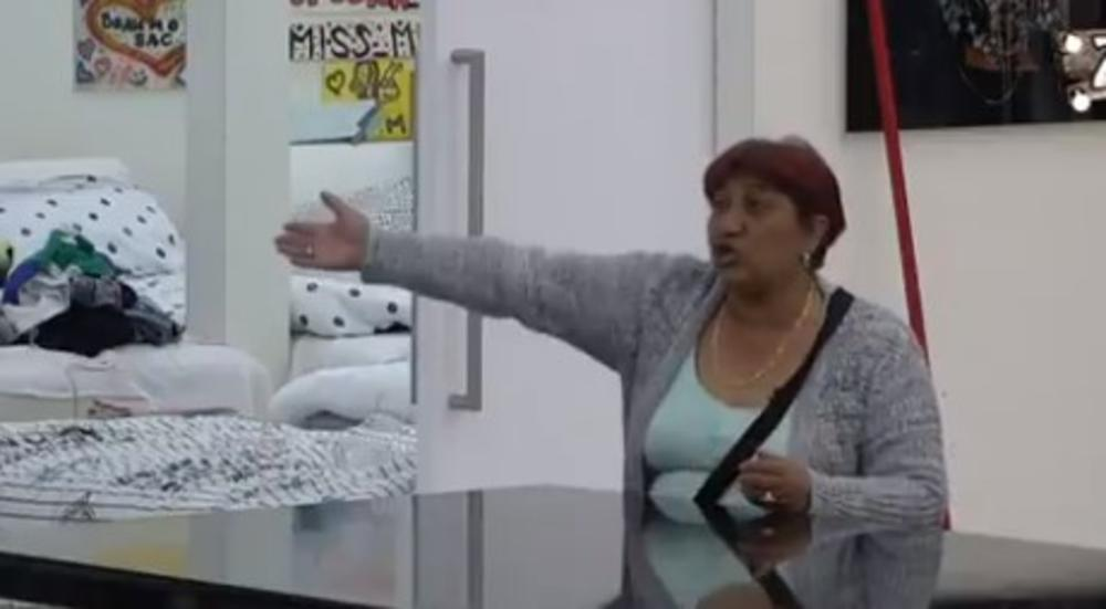 KRV IMA DA ŠIBA DO PLAFONA, PA NEKA IDEM NA ROBIJU: Rada Vasić pobesnela, kuća se orila od njenih brutalnih reči! (VIDEO)