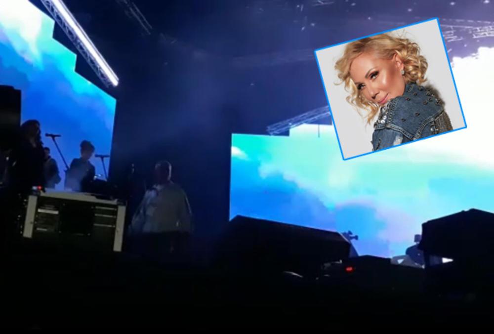 NEKAD JE SILAZILA HELIKOPTEROM, A EVO KAKO TO BRENA RADI SAD! Pevačica oduševila silaskom na binu, spektakl u Areni započela OVIM HITOM! (KURIR TV)
