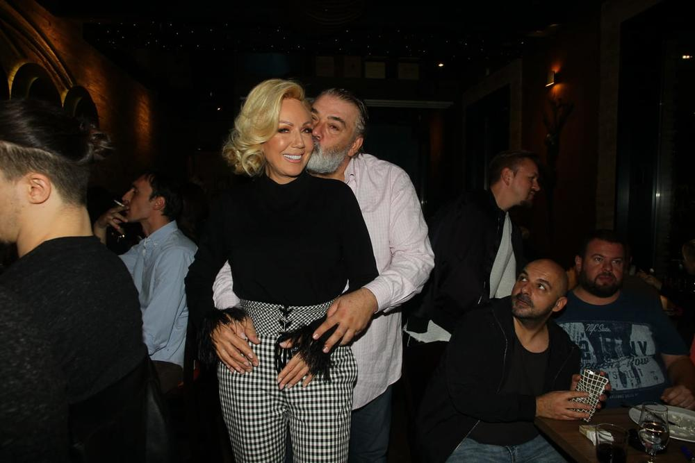 BEZ VELIKE POMPE I GLAMURA: Lepa Brena slavi 28 godina BRAKA sa Bobom, a ovako će se OPUSTITI!