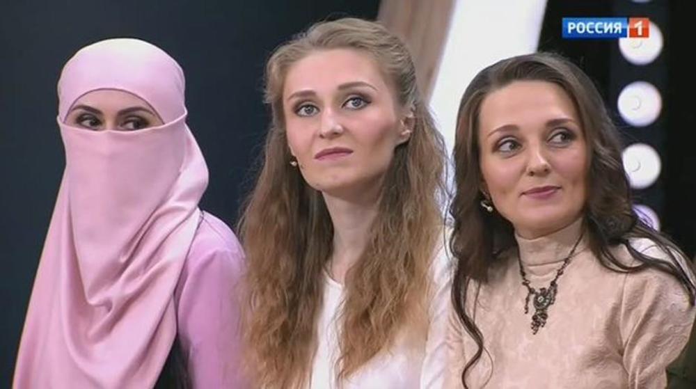 Madina, Ana i Natalija (s leva nadesno)