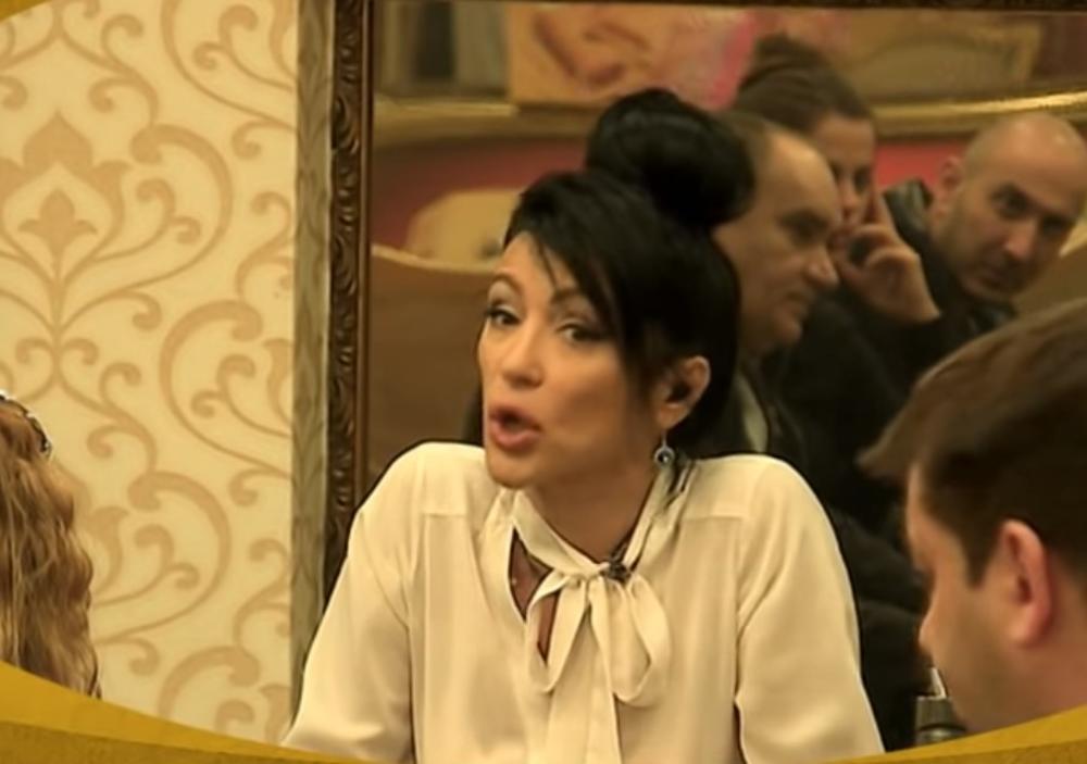 EVO KAKO SE VENDI OBRAČUNAVA! JA VAS BOCNEM I VI PROMENITE PRAVAC KRETANJA: Vukelićeva osula PALJBU na advokata, a onda je objasnila šta je POENTA ŽIVOTA! (VIDEO)