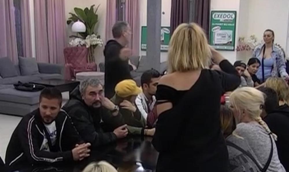 GOLUBOVIĆEVA STALA NA STRANU LUNE ĐOGANI: Ona sa Slobom kao da je bila u BRAKU! Lepi Mića počeo da PSUJE i vređa, odmah prekinuo Jelenu! (VIDEO)