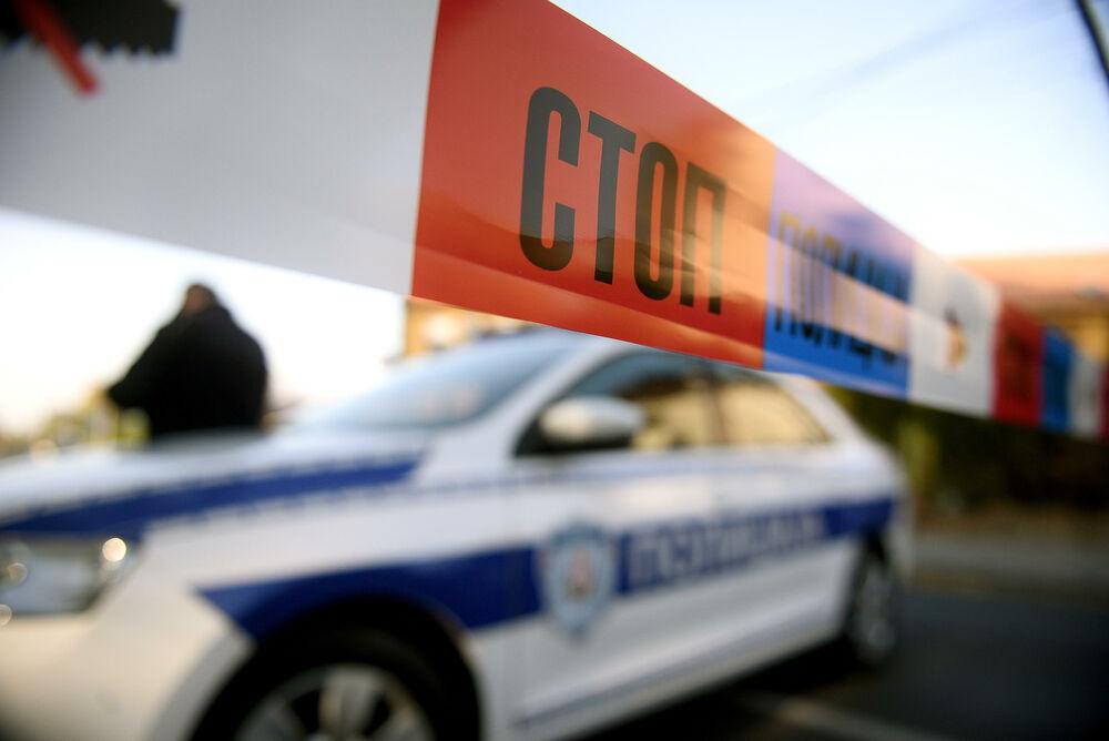 NESREĆA U OBRENOVCU: Radnik (40) pao sa skele pa se na njega sručila metalna konstrukcija, poginuo na mestu