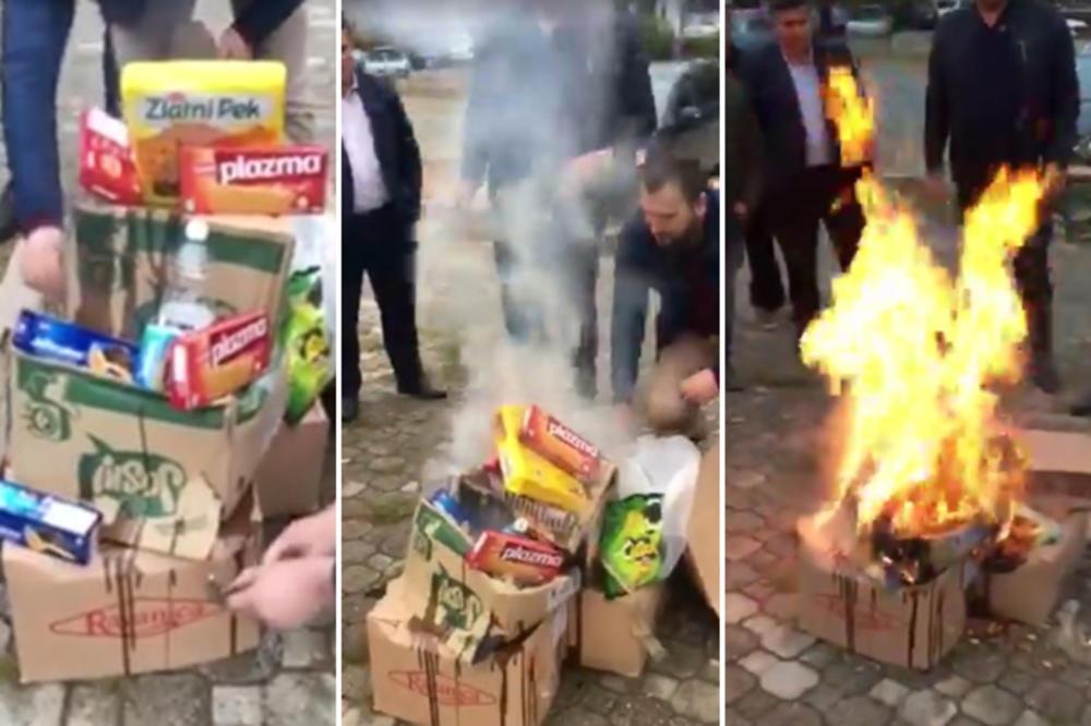 TALAS NACIZMA ŠIRI SE KOSOVOM! NOVI ŠOK SNIMAK! Albanski političari pale srpsku hranu, pa POZIRAJU kraj lomače! (VIDEO)
