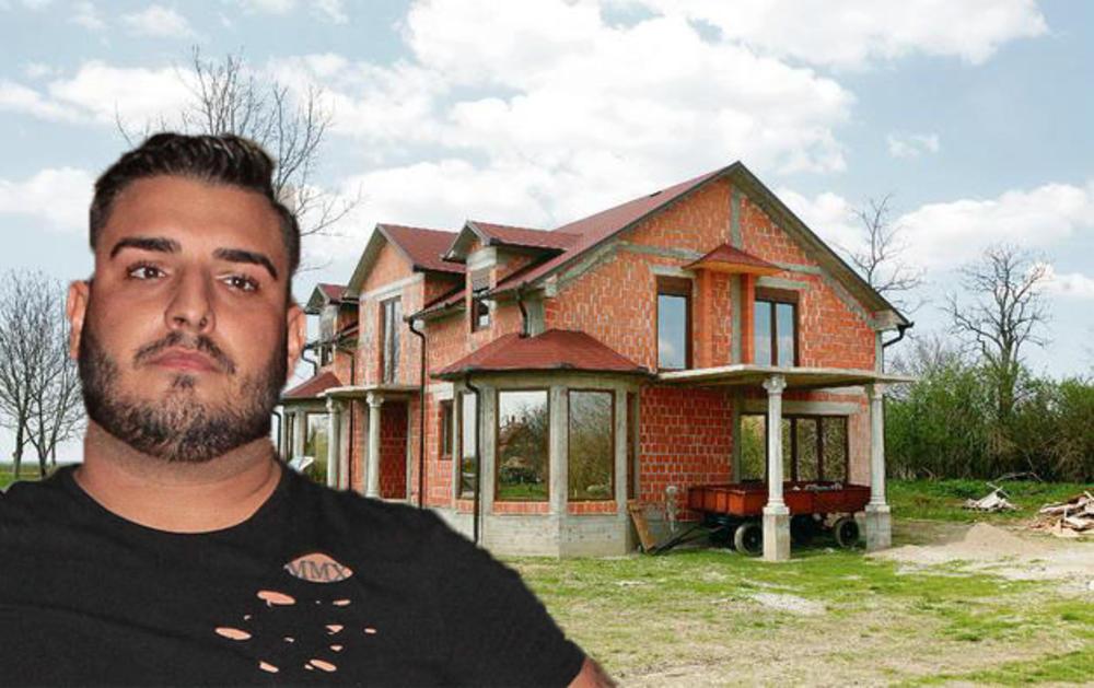 ZA BILIJARSKU SALU, TERETANU, ĐAKUZI U BRESTAČU PUKAO 200.000 €: Darko Lazić sredio VILU u koju će se useliti sa verenicom, a svoju sobu će imati i ONA!