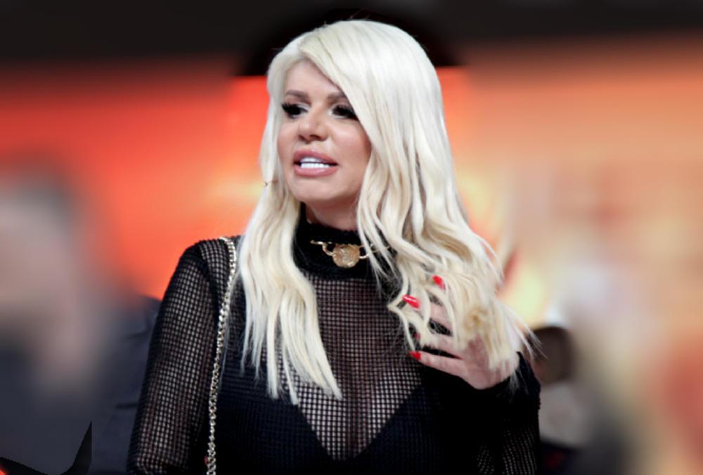 DARA BUBAMARA SE POHVALILA OBIMOM GRUDI, STRUKA I GUZE: Pevačica je naporno radila da dobije SAVRŠENO TELO, ali evo zbog čega joj to sada nije bitno! (VIDEO)
