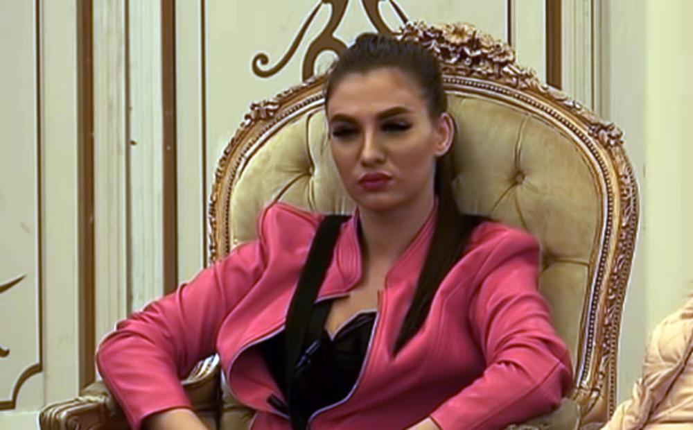 IZABELA ALIJOSKI PRVI PUT SE OGLASILA OTKAKO JE DRAMATIČNO NAPUSTILA RIJALITI VILU! Bels napustila Srbiju, a Kadra je ne ispušta iz ruku! (FOTO)