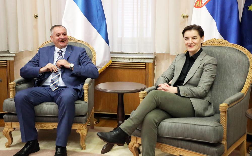13:37h PREMIJERI SRBIJE I REPUBLIKE SRPSKE: Odnosi Beograda i Banjaluke odlični