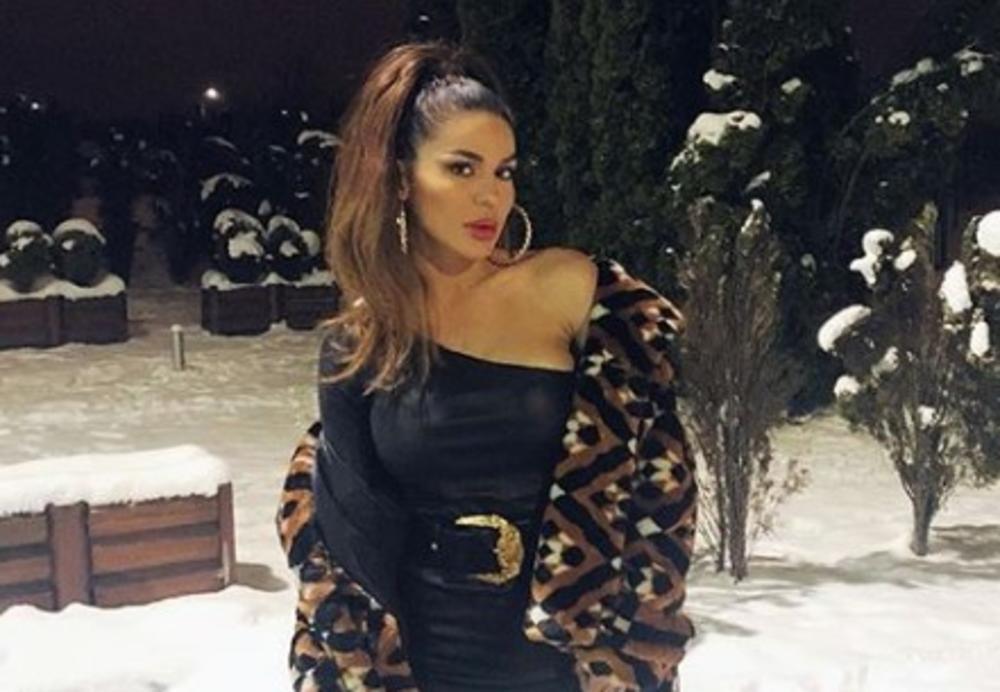MARINA VISKOVIĆ POKAZALA KAKO PROVODI NOĆI: Pevačica pobegla iz Srbije, pa se oglasila sa ove EGZOTIČNE destinacije! (VIDEO)