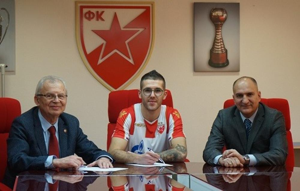 aleksa vukanović (u sredini) sa svetozarom mijailovićem (levo) i mitrom mrkelom (desno)