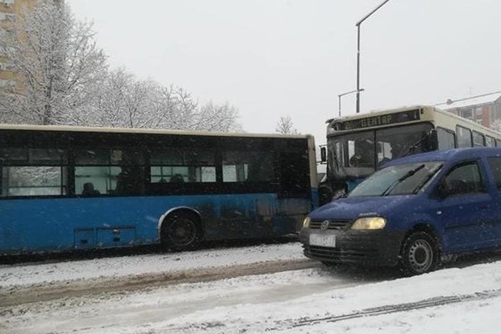 SUDAR AUTOBUSA U NOVOM SADU: Deset putnika povređeno u Novom naselju