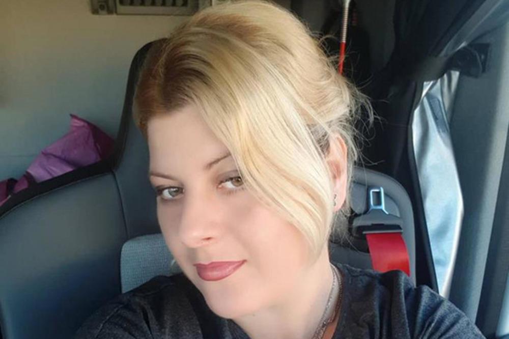 BEOGRAĐANKA TAMARA MARKOVIĆ (30) ŽIVI U 4 KVADRATA, A PREKO FB SA ĆERKOM (12) RADI DOMAĆE: Udala sam se sa 17, razvela sa 20, a pre 4 godine sam shvatila da NEĆU da radim za 30.000 i krenula je moja BORBA (FOTO)