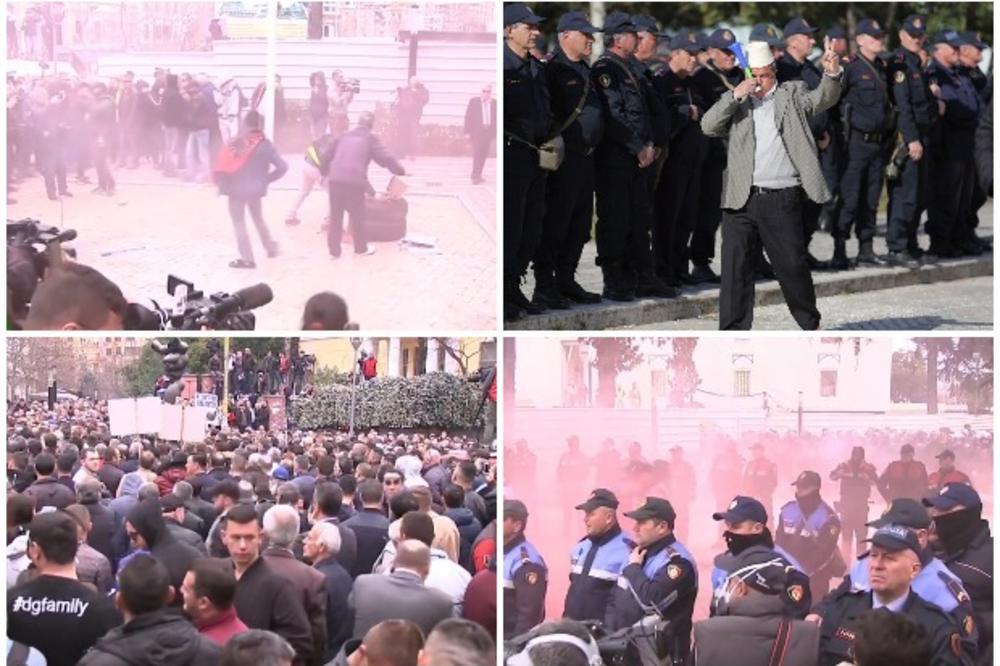 OPSADNO STANJE U TIRANI! HILJADE DEMONSTRANATA OPKOLILE SKUPŠTINU! UZVIKUJU: RAMO, ODLAZI! Policijski kordon i BODLJIKAVA ŽICA brane zgradu! GUME U PLAMENU! (FOTO, VIDEO)