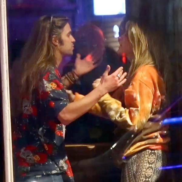 Dečko nasred ulice nasrnuo na ćerku Majkla Džeksona! Paris krila lice i lila suze naočigled svih