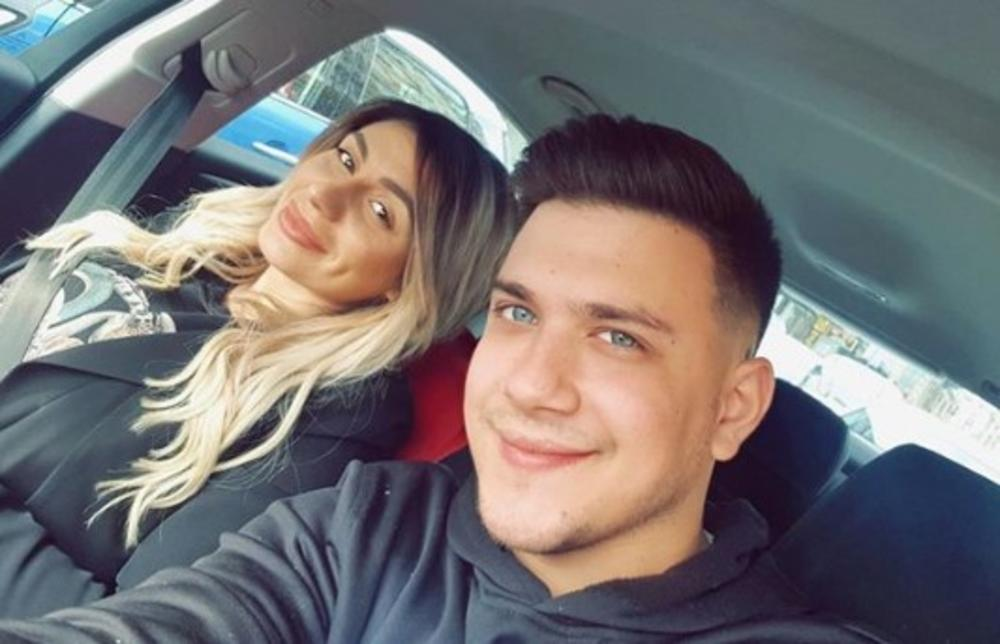 OVAKO JE TRUDNA ZLATA PROSLAVILA MLADENCE: Ćerka Zorice Brunclik uživa u braku sa Vujanovićem, A SADA MU JE I PRSTE POLIZALA! (FOTO)