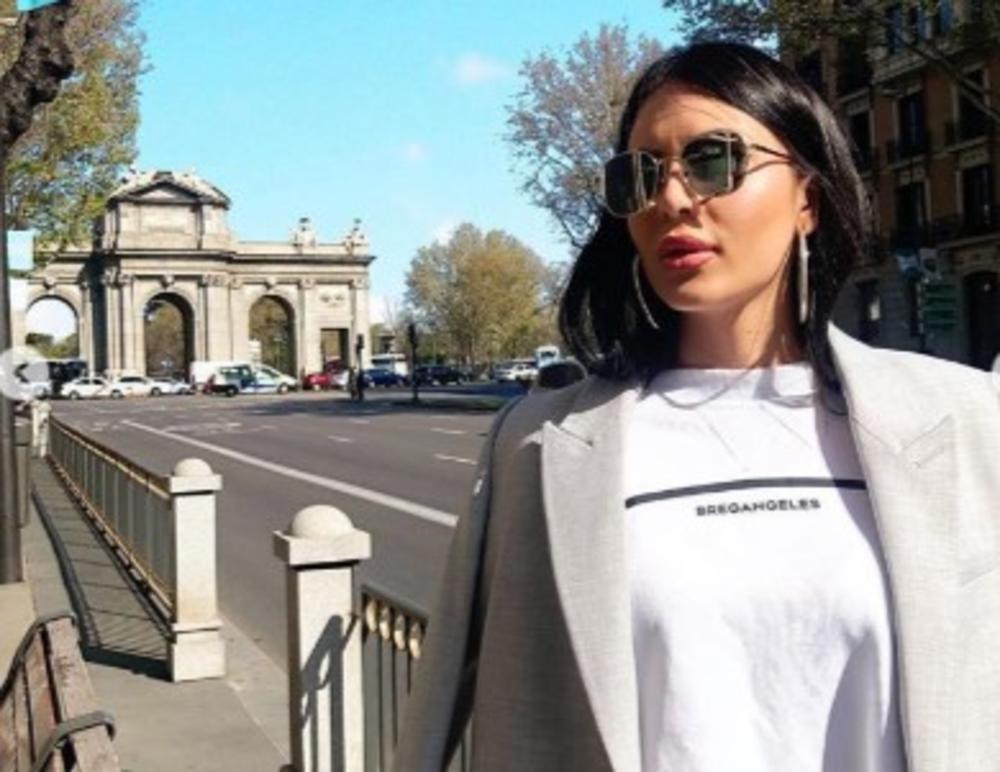 ANASTASIJA LOM PRAVI U MADRIDU: Kada je prošetala sa golim stomakom, niko nije ostao imun! ZOVU JE PRINCEZOM SRBIJE! A evo i gde je sve bila...(VIDEO)