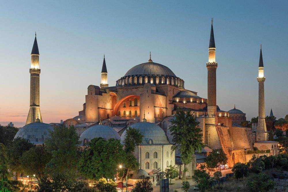 TREBA OSTATI OTVORENA ZA SVE! Pompeo traži od Turske da Aja Sofija ostane muzej