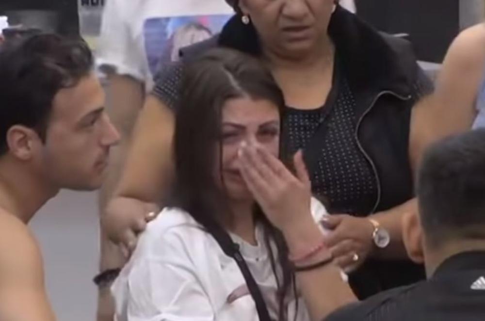 MAJA POSLE JEZIVOG NAPADA JELENE KRUNIĆ DRHTI OD STRAHA! Podbula od suza zbog batinanja, ne može da se dozove: Htela je i da je ujede, a ova PLJUVALA KRV! (VIDEO)