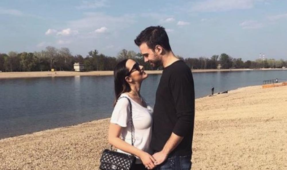 GOVORILI SU DA SE MRZE: Prijovićeva šokirala novom fotkom, druži se sa bivšom devojkom svog MUŽA koja je poznata MANEKENKA! (FOTO)