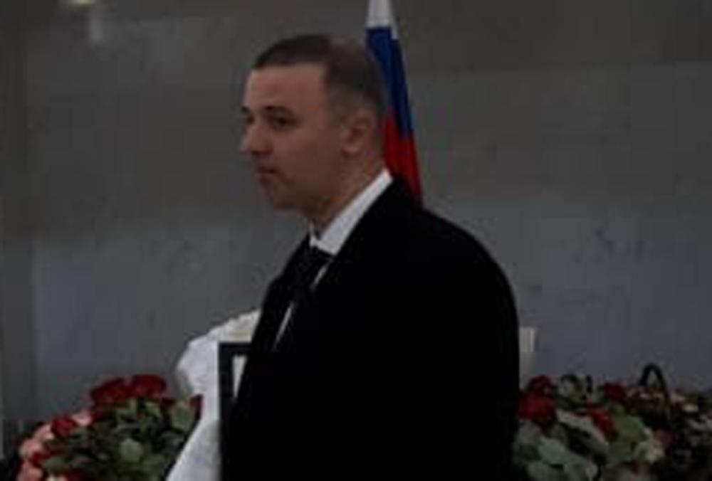 MARKO MILOŠEVIĆ PRVI PUT U JAVNOSTI POSLE 13 GODINA! Došao na komemoraciju Miri Marković, POTPUNO NEPREPOZNATLJIV! (EKSKLUZIVNE FOTOGRAFIJE)