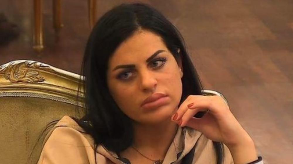 JOŠ JEDNA TRUDNICA U RIJALITIJU: Dina Galorini priznala da je u DRUGOM STANJU, a onda se javio njen brat! Sada je potpuno SAMA!