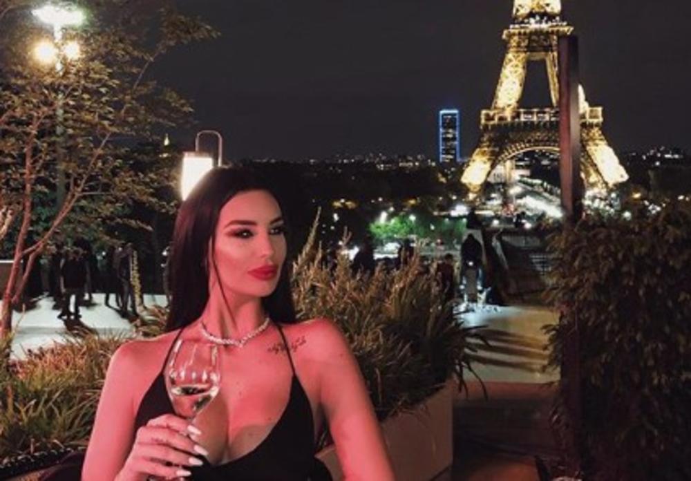 VERILA SE KAĆA GRUJIĆ?! Zvezdu Granda dečko odveo u Pariz za 27. rođendan, a onda je u PONOĆ dobila SKUPOCENI PRSTEN... (FOTO)