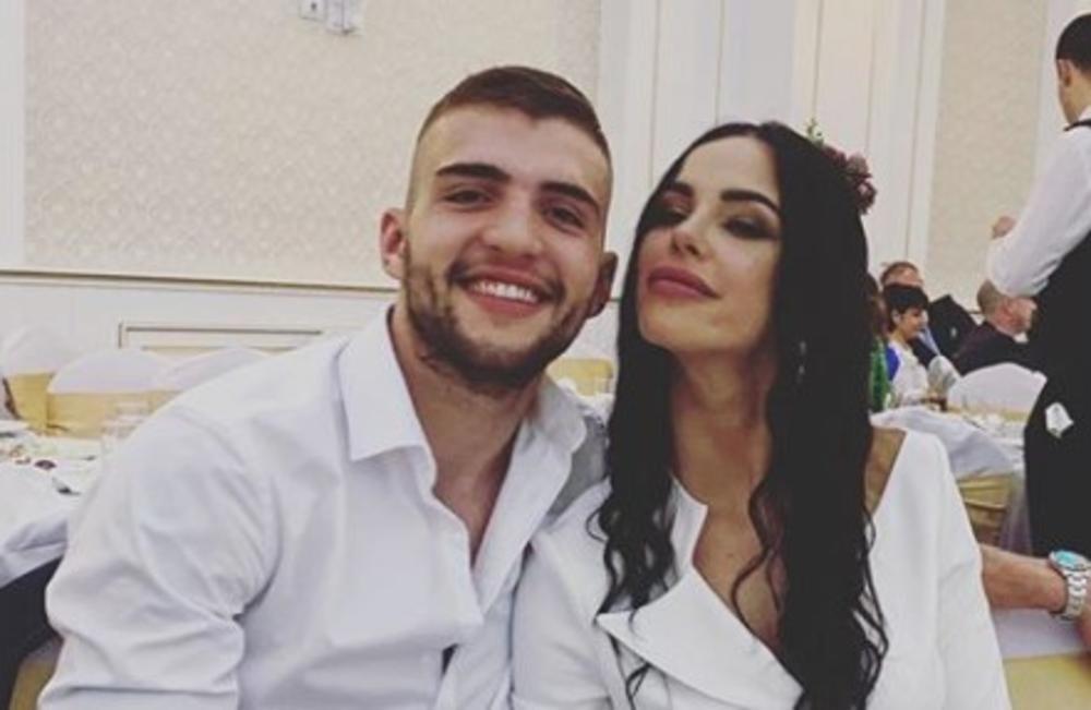 VELJKO RAŽNATOVIĆ JE TOLIKO OPUŠTEN U TAZBINI DA SE SKINUO GO: Svi se pitaju šta će reći roditelji verenice Bogdane kada vide HIT SNIMAK! (VIDEO)