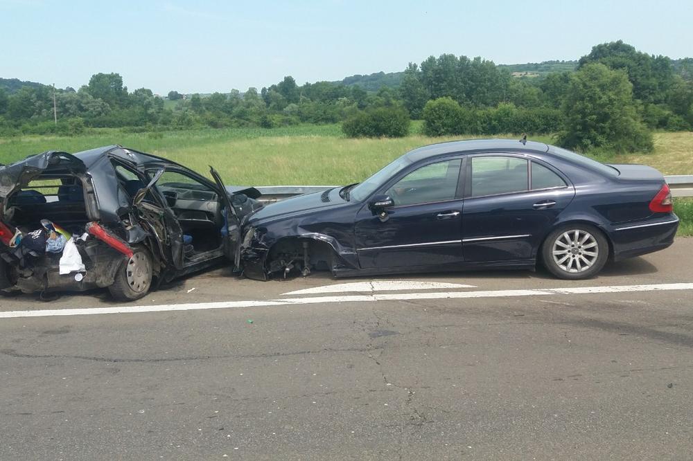 KURIR NA LICU MESTA, LANČANI NA NIŠKOM AUTO-PUTU: Teška nesreća kod