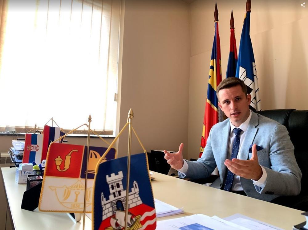 PREDSEDNIK OPŠTINE PALILULA ALEKSANDAR JOVIČIĆ: To što rade Đilas i Bastać 33 51