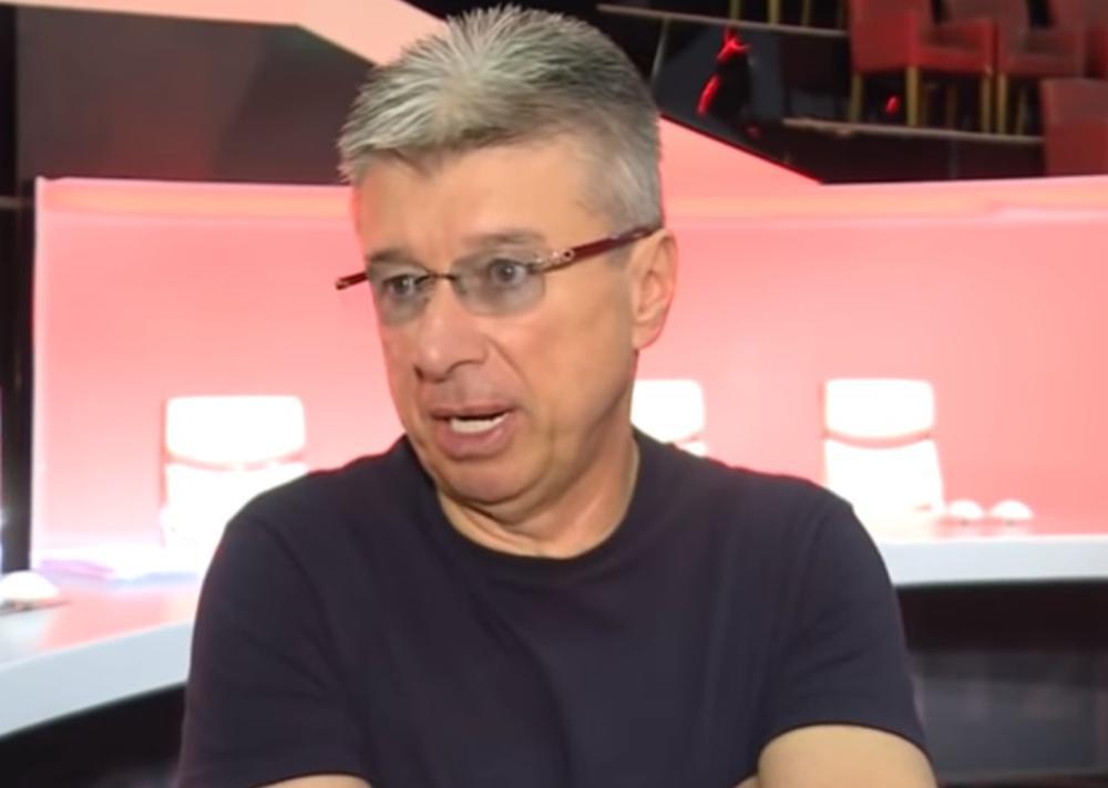 INTERNETOM KRUŽI FOTKA SAŠE POPOVIĆA SA S*KSI ZADRUGARKOM: Direktor Granda u njenom društvu na letovanju?! (FOTO)