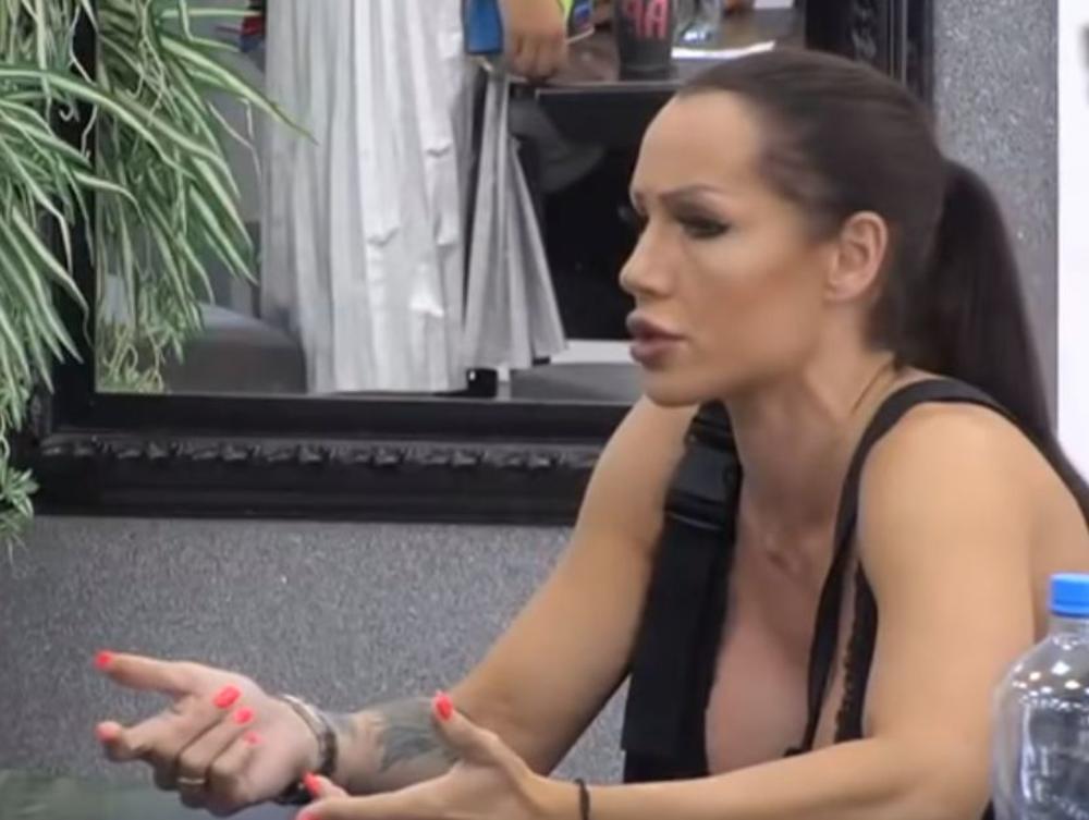 LJUBA PANTOVIĆ USRED RIJALITIJA PROZVANA ZBOG DUGOVA! Bodi-bilderka napravila haos, od vikanja joj ŽILE POISKAKALE! (VIDEO)