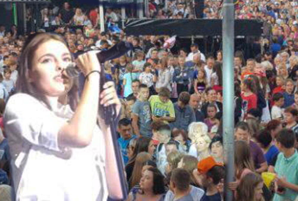 DŽEJLU JE U RODNOM GORAŽDU DOČEKALO PREKO 10.000 LJUDI: Pobednica Zvezda Granda i Marija Šerifović podigle su sve na noge! (VIDEO)