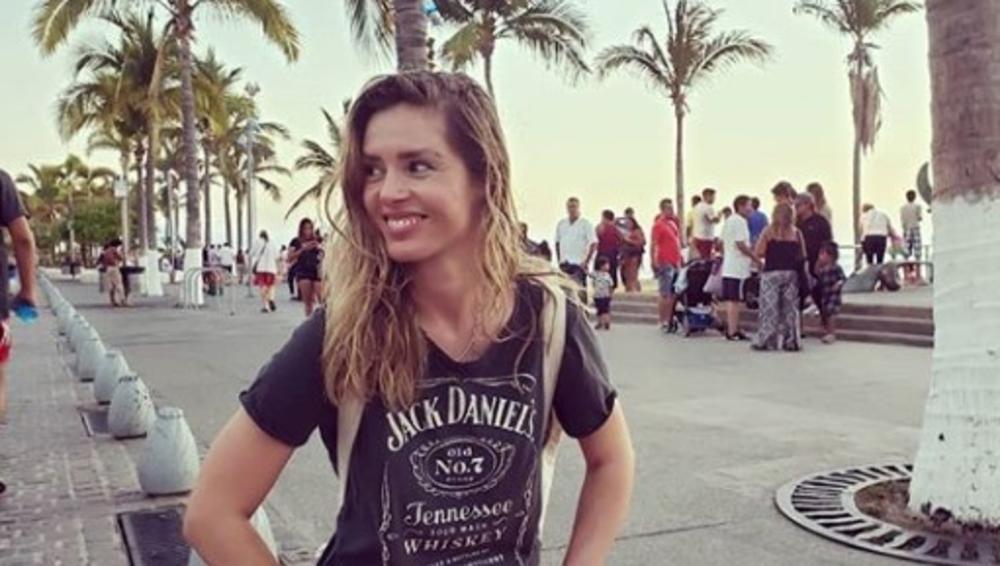 OVU GLUMICU SVI ZNATE IZ SERIJE BUDVA NA PJENU OD MORA: Leona se proslavila u Srbiji, pa otišla u Ameriku, a evo čime se danas BAVI! (FOTO)