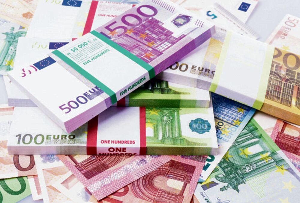 6.400 ŠTEDIŠA BIVŠE SFRJ BIĆE NAMIRENO: Isplata prve rate stare devizne štednje počinje danas!