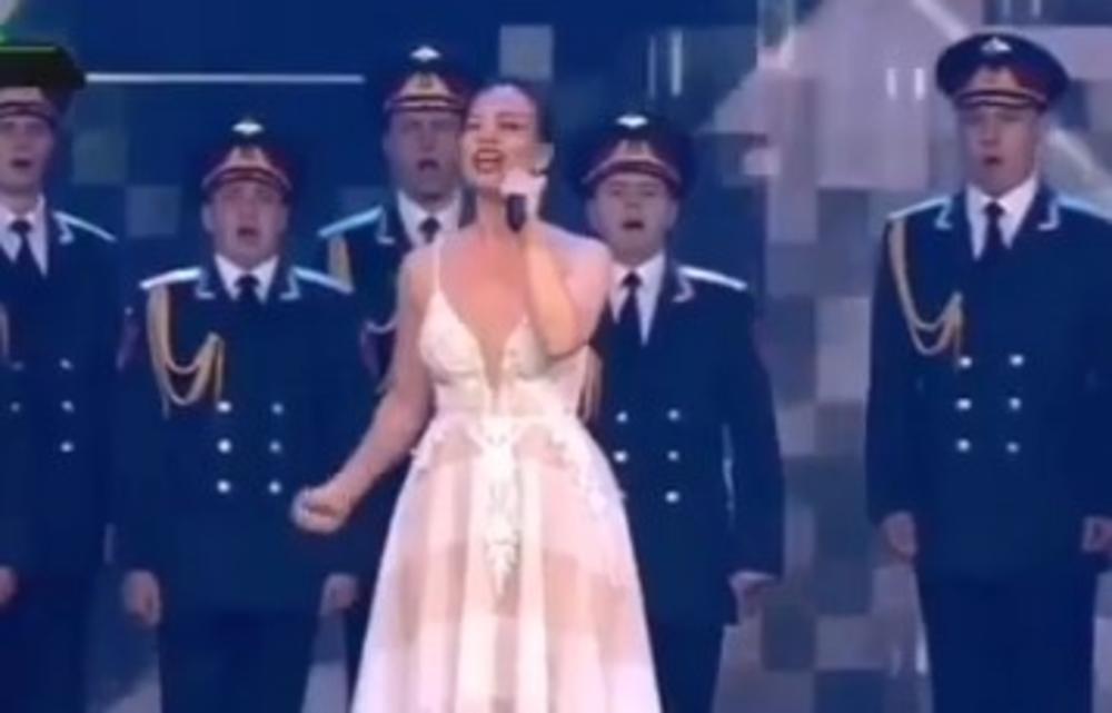 NAJEŽIĆETE SE: Jelena Tomašević je ovako pevala predstavnicima RUSKOG DRŽAVNOG VRHA! (VIDEO)