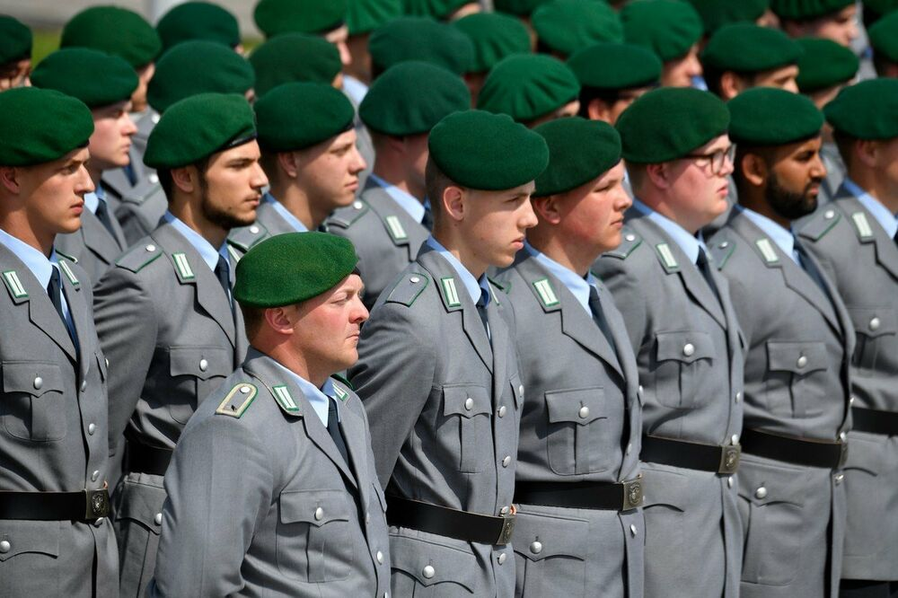 Skandal U Nemačkoj Bivši Vojnici Traže Odštetu Zbog