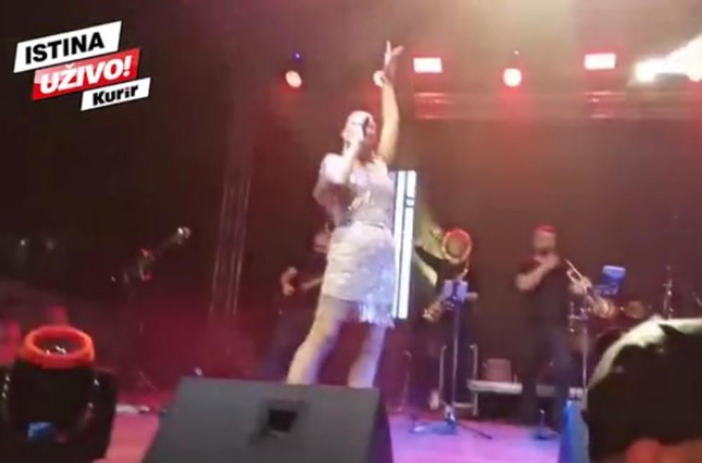BRENA VRANJANCE BACILA U TRANS: Pevačica posle 30 godina posetila JUŽNU PRUGU, salve EMOCIJA, SUZE i poznati HITOVI koji se pevaju NA SAV GLAS! (KURIR TV)