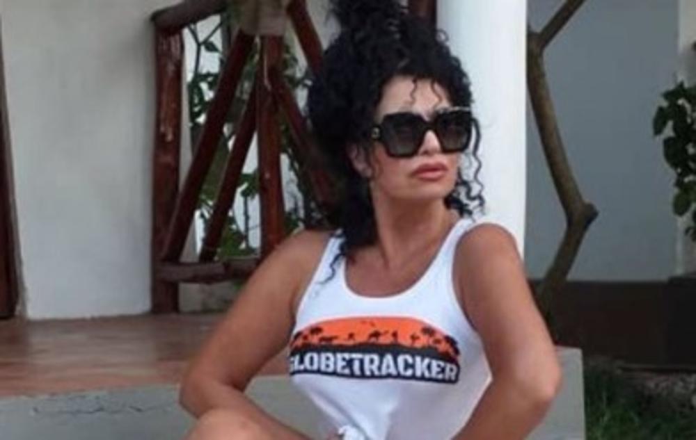 VANVREMENSKA ZAVODNICA POSLE BRDA IZAZOVNIH FOTKI NA INSTAGRAMU NAŠLA DEČKA: Lidija Vukićević pravo iz kreveta ULEĆE U OKEAN, a EVO na šta je u Zanzibaru PALA ČUVENA LILIKA!