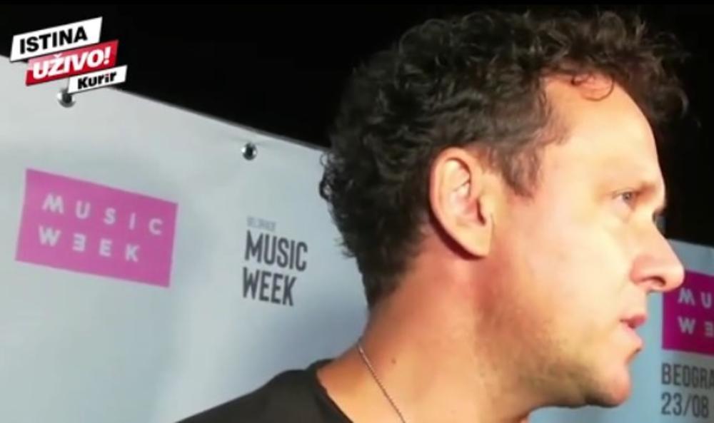 DŽENAN LONČAREVIĆ NA MUSIC WEEK FESTIVALU NA UŠĆU: Pevač PRIZNAO da nikada nije nastupao TAKO KASNO, otkrio ŠTA JE PIO, ali i zašto je došao SMOREN! (KURIR TV)