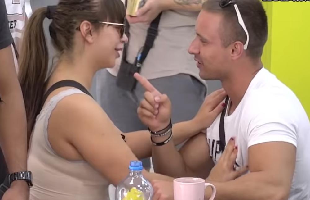 TI SI IZUZETAN MLADIĆ, VISOKO KVALITETAN: Ovako je Miljana Kulić pripremala Nikolu pre nego što ga je ščepala i POLJUBILA! HIT! (FOTO)