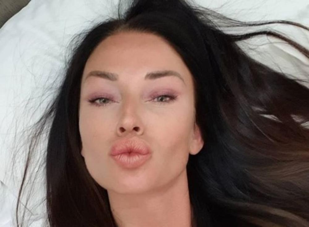 BOJIM SE DA ĆE SRBIJA PLAKATI AKO ISPRIČAM: Katarina Živković iskreno o ljubavnom životu, ovo niste znali o pevačici!