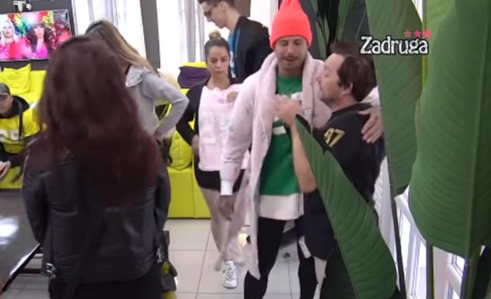 ZOKI ŠUMADINAC SE VRATIO U RIJALITI: Zadrugari skočili od sreće, a on objasnio ŠTA MU SE DESILO SA ZDRAVLJEM! (VIDEO)