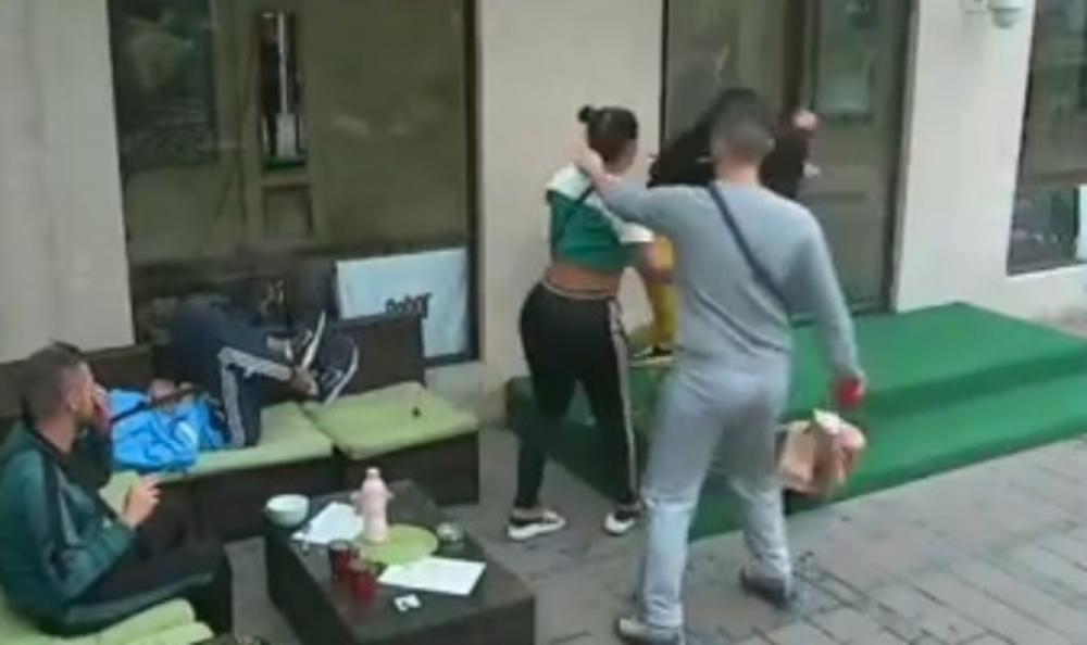DŽEZVOM JE UDARALA PO GLAVI! Stefani pukla na BRUTALNU provokaciju, ispolivala Masažu vrelom kafom! LUDILO! (VIDEO)