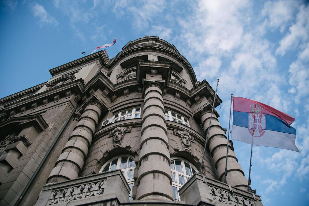 PRVI SLUČAJ KORONE U VLADI SRBIJE: Oboleli iz najvećeg žarišta u Srbiji!