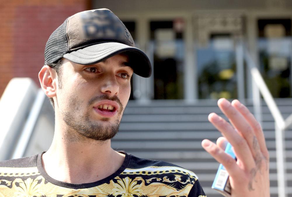 SAMO ONI MOGU DA JEDU ZA MOJIM STOLOM: Toma Panić BESAN, poslao SUROVU poruku! Mnogi su se ZAMISLILI! (FOTO)