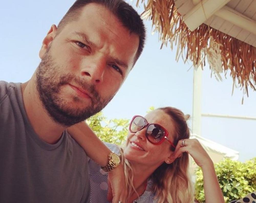 RETKO PRIČA O EMOTIVNOM ŽIVOTU: Marijana Mićić godinama je u vezi, a sad otkriva šta dečko očekuje od nje!