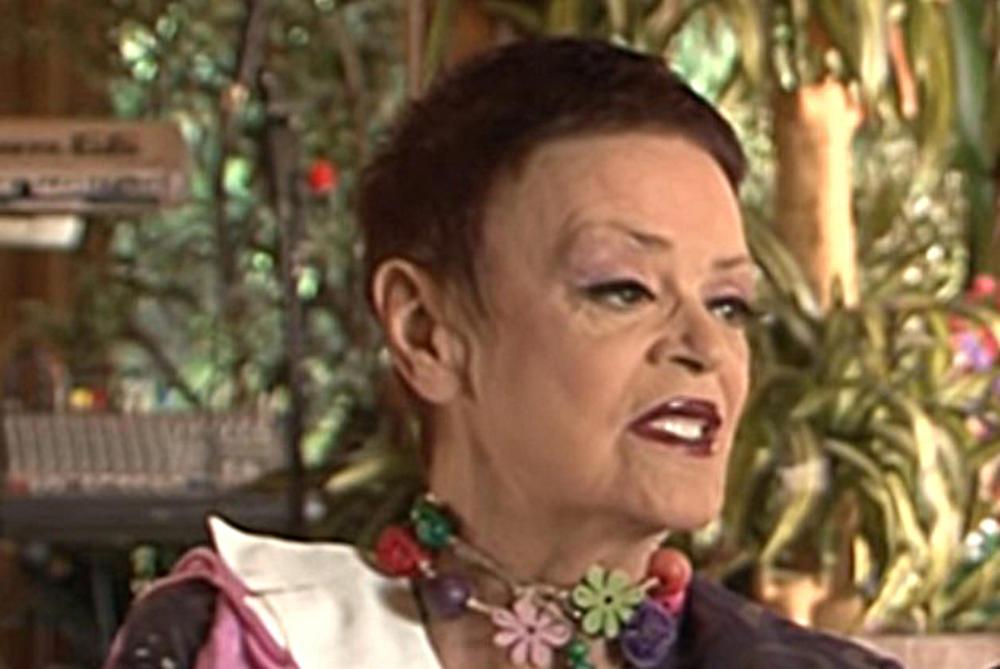 OBOŽAVAM SVE SVOJE BIVŠE MUŽEVE, A ČEKAM DA SE DESI ČETVRTI: Ruška Jakić progovorila o porodici, pa priznala zašto UVEK u kafiću sedi SAMA!