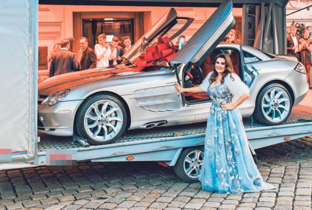 DRAGANA IMA VOZNI PARK OD 3,5 MILIONA €! Najveće estradne zvezde luduju za skupim automobilima!